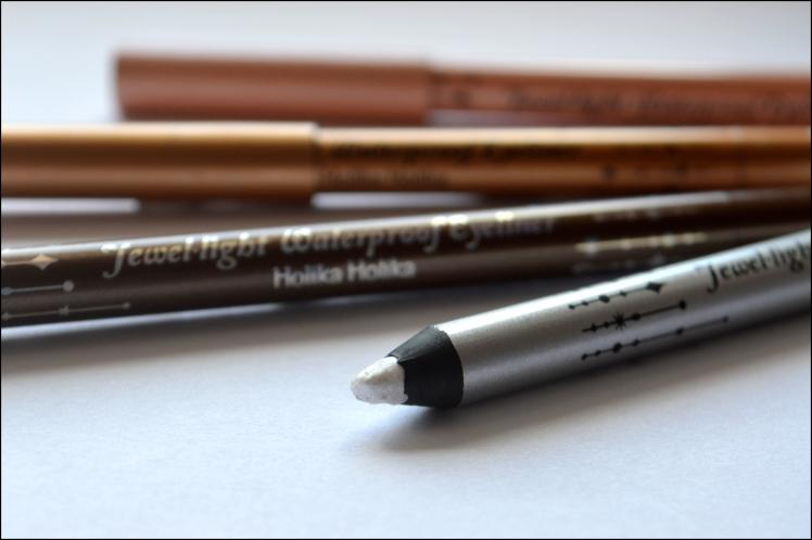 Leboudoirdetatouchka-crayon-yeux-holika-2