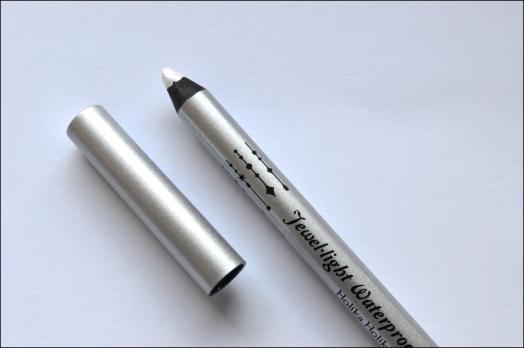 Leboudoirdetatouchka-crayon-yeux-holika-3